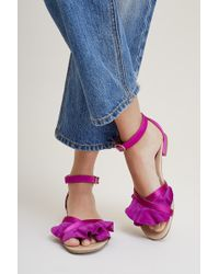 KMB - Siobhan Ruffled Suede Sandals - Lyst
