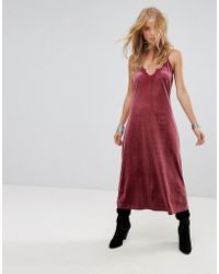 Wyldr - Moon Night Velvet Midi Dress With V Neckline And Lace Trim Insert - Lyst