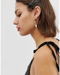 Pieces - Hammered Gold Hoop Earrings With Drop Pearl - Lyst