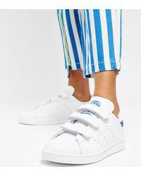 693da5a7118f adidas Originals - Stan Smith Velcro Trainers In White And Blue - Lyst