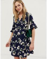 e0446985aa69 Oasis Rose Print Flute Sleeve Shift Dress - Lyst