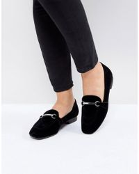 Bershka - Contrast Chain Detail Loafer - Lyst