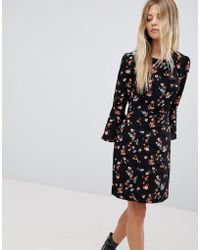 Oasis - Floral Printed Fluted Sleeve Midi Dress - Lyst