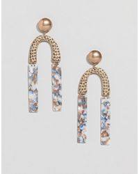 ASOS - Earrings In Hammered Metal And Resin Shape Design In Gold - Lyst