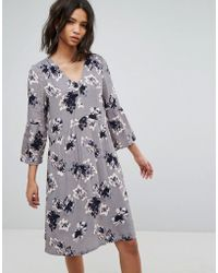 Soaked In Luxury - 3/4 Sleeve Floral Shift Dress - Lyst