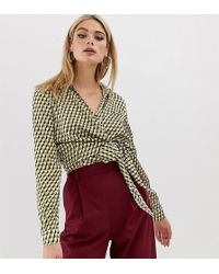 Missguided - Exclusive Tall Tie Side Shirt In Geo Print - Lyst