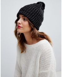 Oasis - Ribbed Beanie Hat With Pom In Black - Lyst