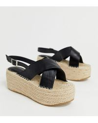 4be66cbf2d1 Truffle Collection - Wide Fit Cross Strap Flatform Sandals - Lyst