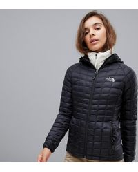 The North Face - Womens Thermoball Sport Hooded Jacket In Black - Lyst