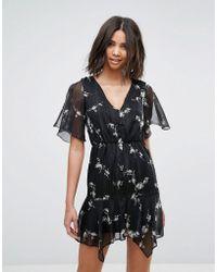 Miss Selfridge - Floral V Neck Tea Dress - Lyst
