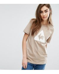 Le Coq Sportif - Exclusive To Asos Flocked Logo T-shirt In Camel - Lyst