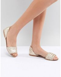 8179953a6b557e Lyst - Oasis Bow Toepost Sandal in White
