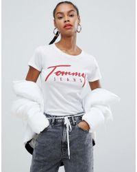 7f425d28ea2 Tommy Hilfiger - Camiseta con logo serigrafiado en algodn orgnico de - Lyst