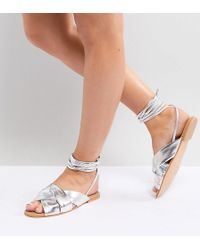 01991f2256fd ASOS - Valley Wide Fit Leather Knotted Tie Leg Flat Sandals - Lyst