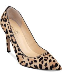 Ivanka Trump Carraly Pumps - Lyst
