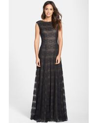 Vera Wang Women'S Cap Sleeve Lace Gown - Lyst