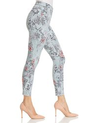 Hue - Clouded Floral Essential Denim Leggings - Lyst