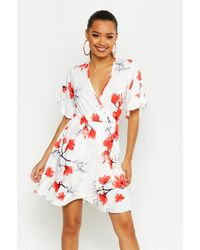 Boohoo - Womens Large Scale Floral Wrap Tea Dress - White - 4 - Lyst