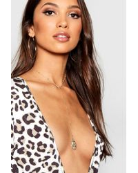 Boohoo - Single Sovereign Pendant Plunge Necklace - Lyst