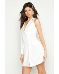 a6baf6179747 Boohoo - Woven One Sleeve Covered Button Blazer Dress - Lyst