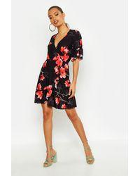 Boohoo - Womens Large Scale Floral Wrap Tea Dress - Black - 4 - Lyst