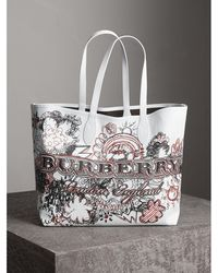 Burberry - The Large Reversible Doodle Tote - Lyst