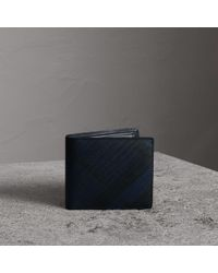 Burberry - London Check International Bifold Coin Wallet Navy/black - Lyst