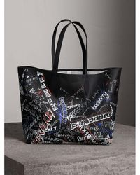 Burberry - The Large Doodle Tote In Coated Canvas - Lyst