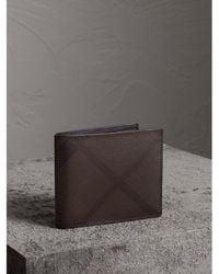 Burberry - London Check International Bifold Wallet Chocolate/black - Lyst