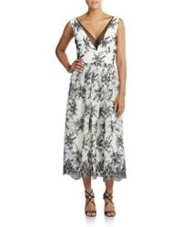 Vera Wang Two-Tone Embroidered Lace Dress beige - Lyst