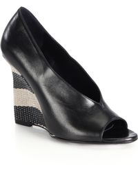 Burberry Reyard Striped Raffia-Wedge Leather Pumps black - Lyst
