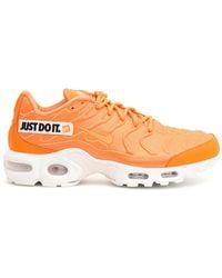 537a3738a1 Nike White And Orange Air Vapormax Plus Sneakers - Lyst