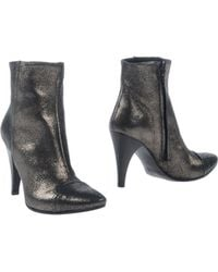 Tosca Blu Gray Ankle Boots - Lyst