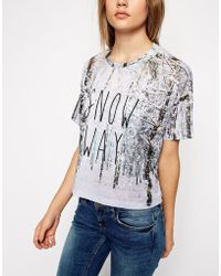 Asos Cropped T-Shirt With Christmas Snow Way Print - Lyst