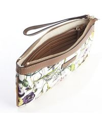Gucci Brown and Ivory Canvas Infinity Floral Printed Wristlet Clutch - Lyst