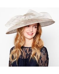 Jenny Packham - Gold Sinamay Buckle Saucer Fascinator - Lyst