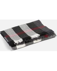 Burberry - Merino Wool And Cashmere Scarf - Lyst