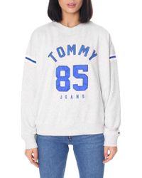 da86b4fb63080d Tommy Hilfiger - Women s Tommy 85 Logo Sweat Top Pale Grey Heather - Lyst