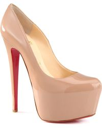 Christian Louboutin Daffodile Patent Leather Platform Pumps beige - Lyst