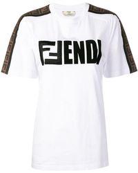 Fendi - T-Shirt mit Logo-Patch - Lyst