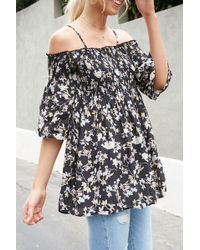 4f9a3d85f8c Forever 21 Floral Off-the-shoulder Top in Black - Lyst