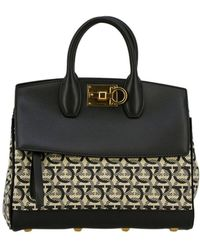 ad95c0ca9e83 Lyst - Ferragamo Gelly Quilted Nappa Leather Shoulder Bag in Black