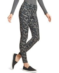 Hue - Camouflage Jeggings - Lyst