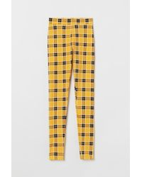 90b72c7c06862 H&M Patterned leggings in Red - Lyst