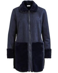 Vila - Straight Cut Coat With Patch Pockets And Faux Fur Collar - Lyst