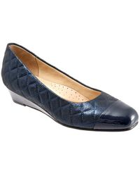 Trotters - Langley Quilted Leather Wedge Court Shoes - Lyst