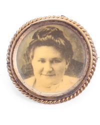 Lulu Frost - Antique Photograph Brooch - Lyst