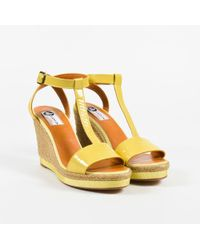 Lanvin - Yellow Patent Leather T Strap Espadrille Wedge Sandals - Lyst