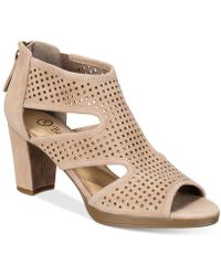 Bella Vita - Leslie Dress Sandals - Lyst