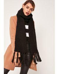 Missguided - Chunky Knit Tassel Scarf Black - Lyst